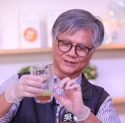 【直播】蜂蜜檸檬大對決! 吳蕚洋 vs. 權威營養師跨界對談